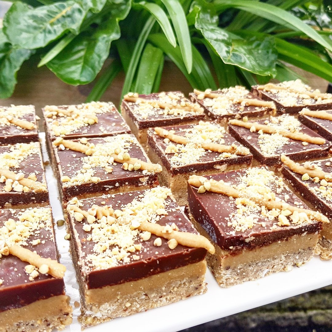 Snickers Raw Slices